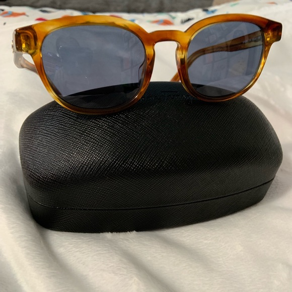 Salvatore Ferragamo Accessories - Beautiful Salvatore Ferragamo Sunglasses NWOT